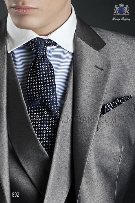Blue silk tie & handkerchief