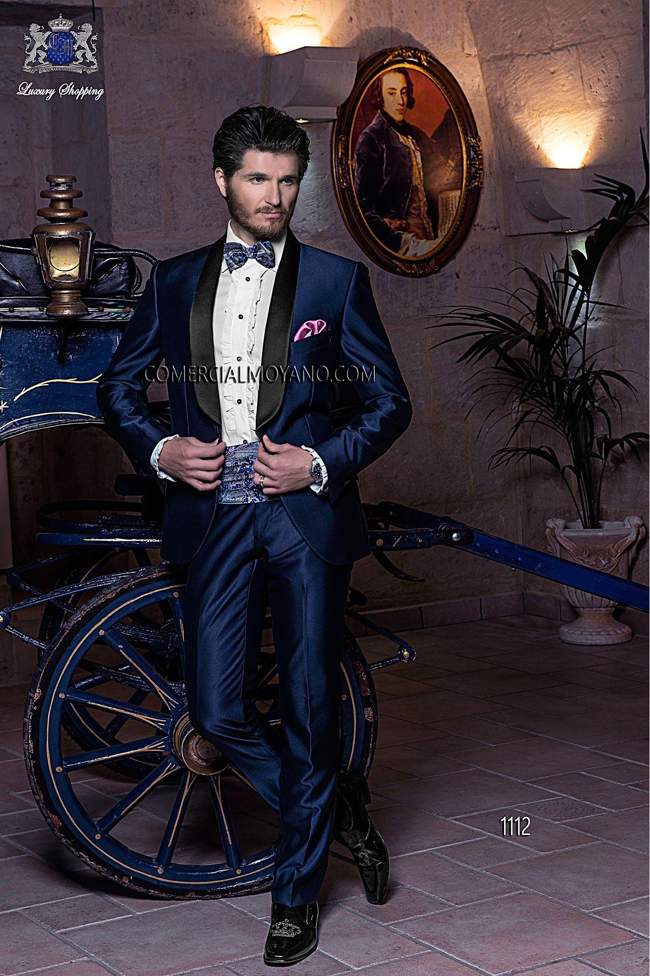Traje de novio italiano esmoquin azul a medida en tejido new performance con solapa chal de raso negro, modelo 1112 Ottavio Nuccio Gala colección Black Tie 2015.