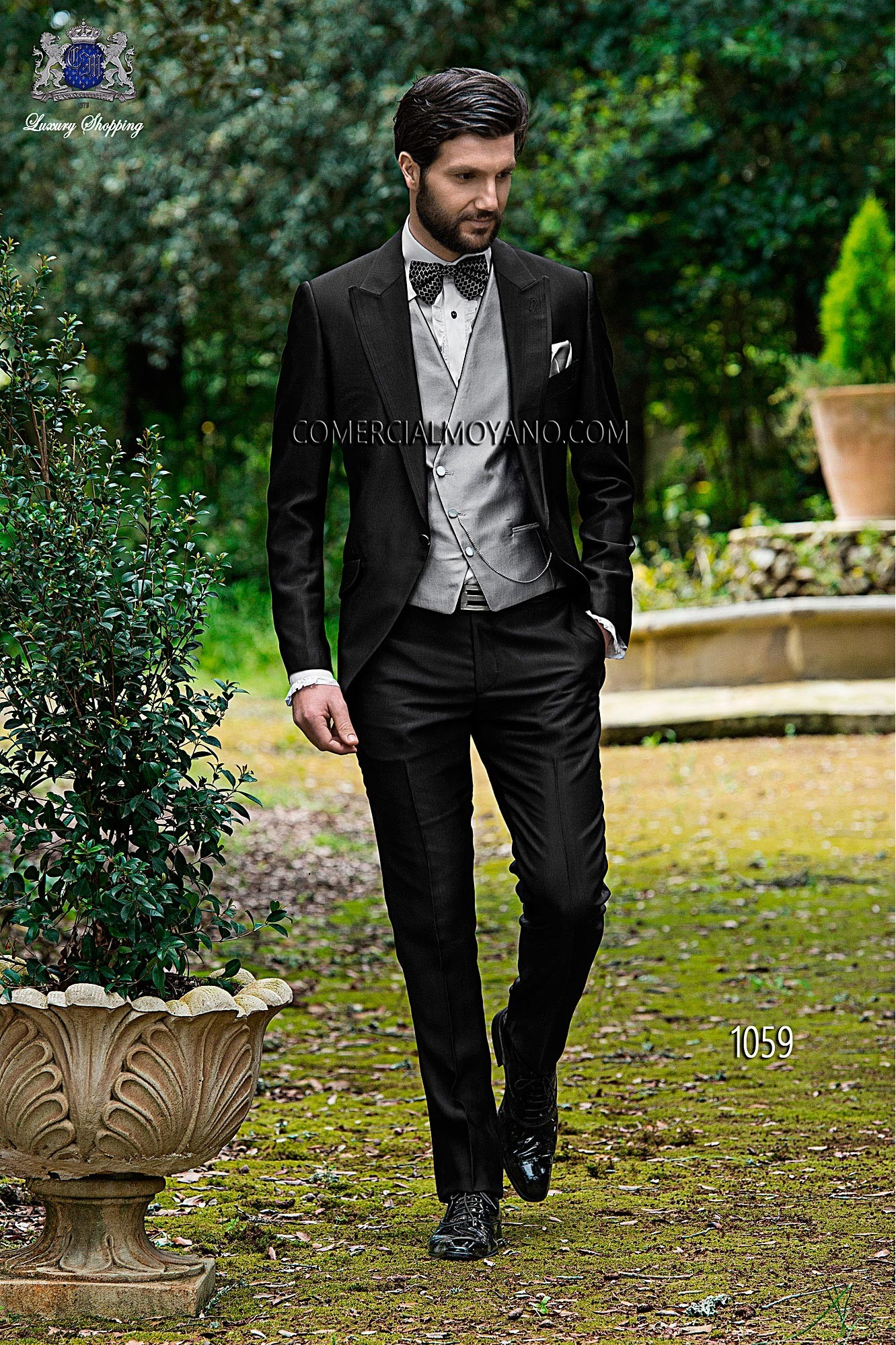 Italian bespoke single breasted suit, short frock coat, in new performance fabric, black, style 1059 Ottavio Nuccio Gala, Fashion collection.