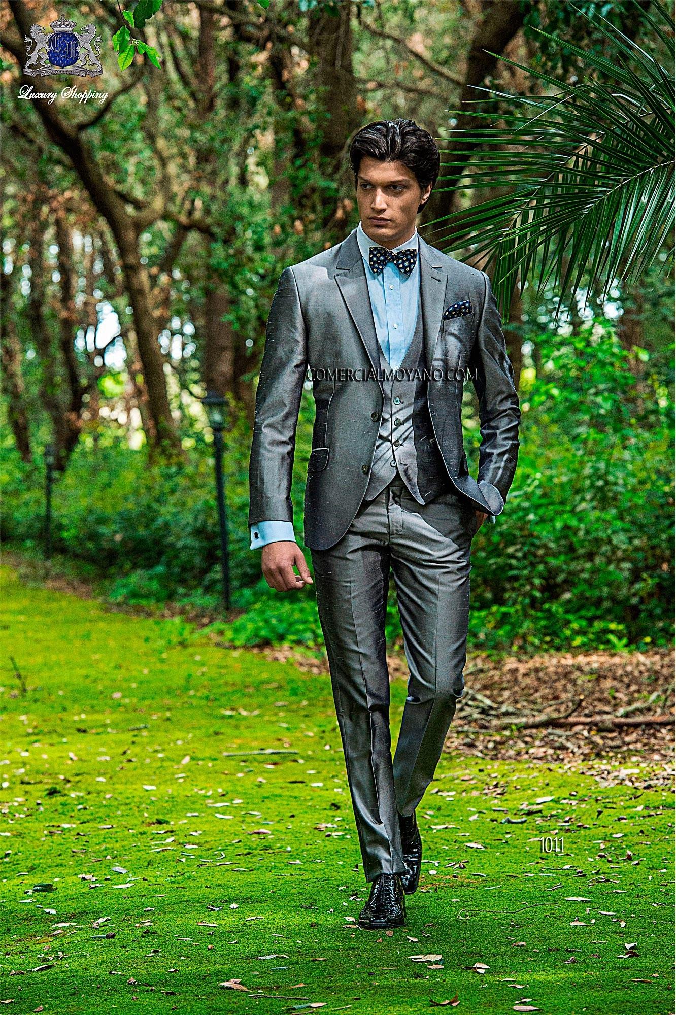 Traje de moda italiano gris plata shantung 3 piezas 1011 Ottavio Nuccio Gala. Loading zoom