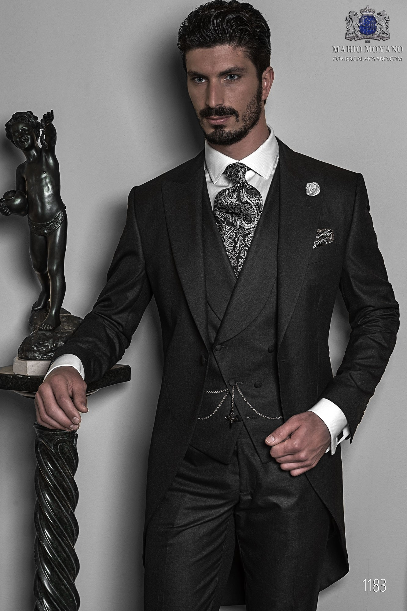 Italian bespoke wedding morning suit, in fil a fil gray antracite, style 1183 Ottavio Nuccio Gala, Gentleman collection.