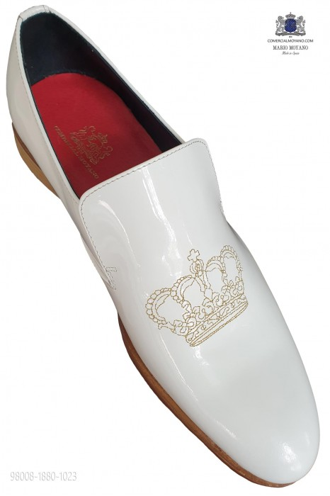 White patent leather slippers with silver crown embroidery