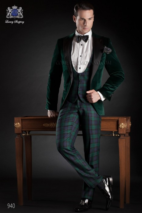 Green suit in velvet fabric