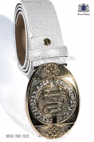 Cinturón adamascado blanco con hebilla dorada 98182-1987-1020 Ottavio Nuccio Gala.