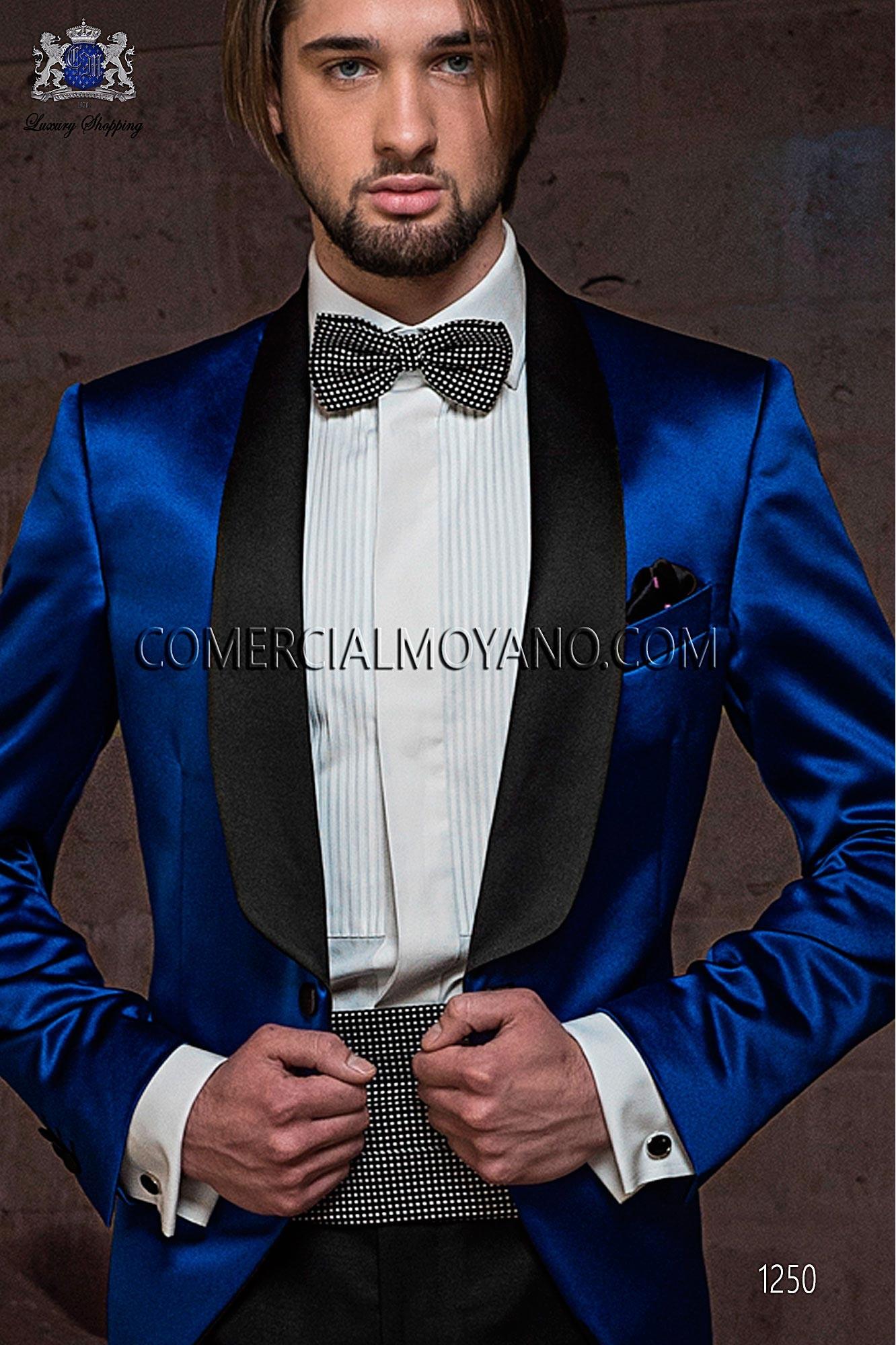 Navy blue silk cummerbund and bow tie with micro design, ONGala.