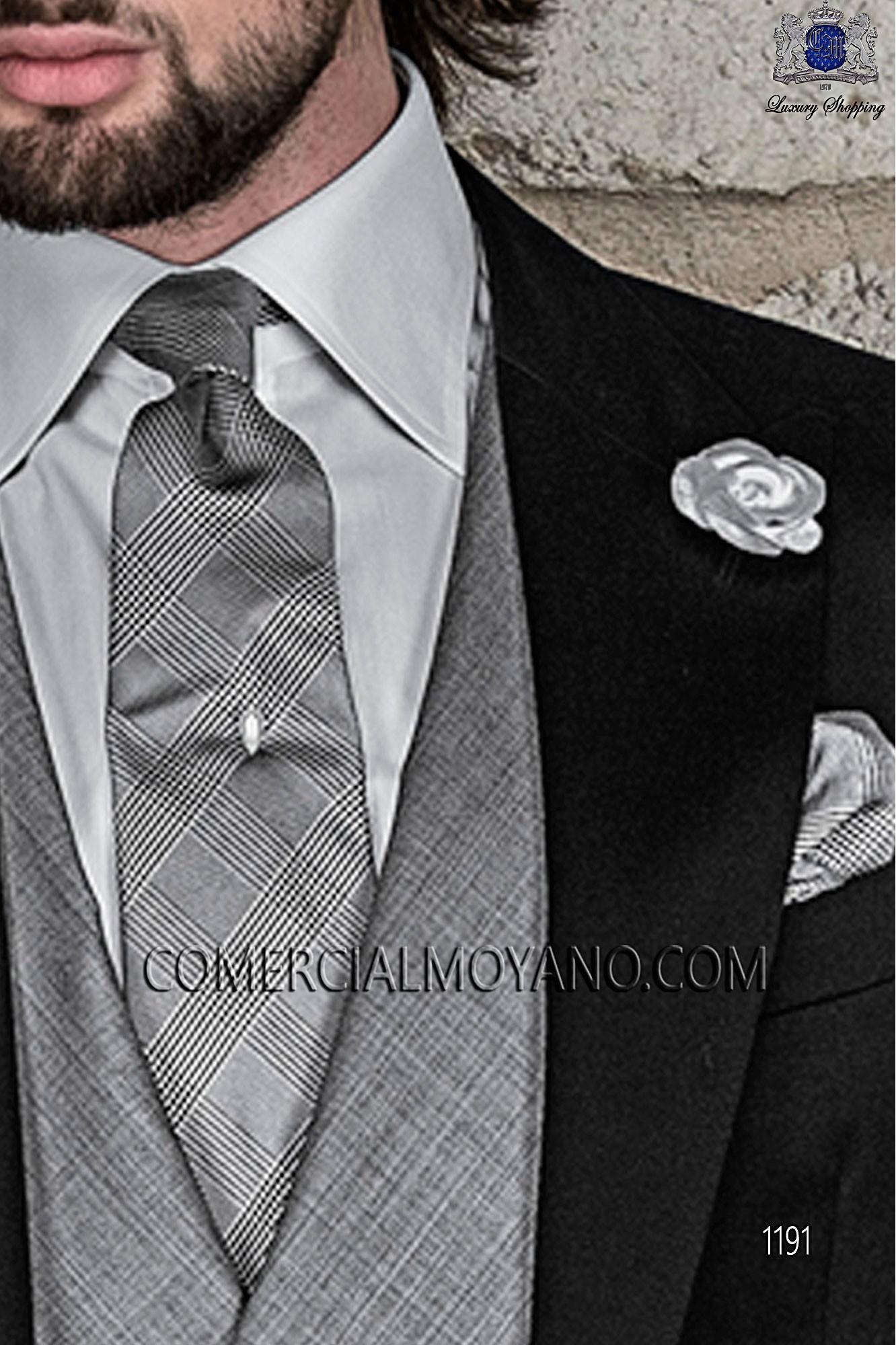 a5e262552bab4 Traje de novio gris de estilo entallado en tejido lana de alpaca ...