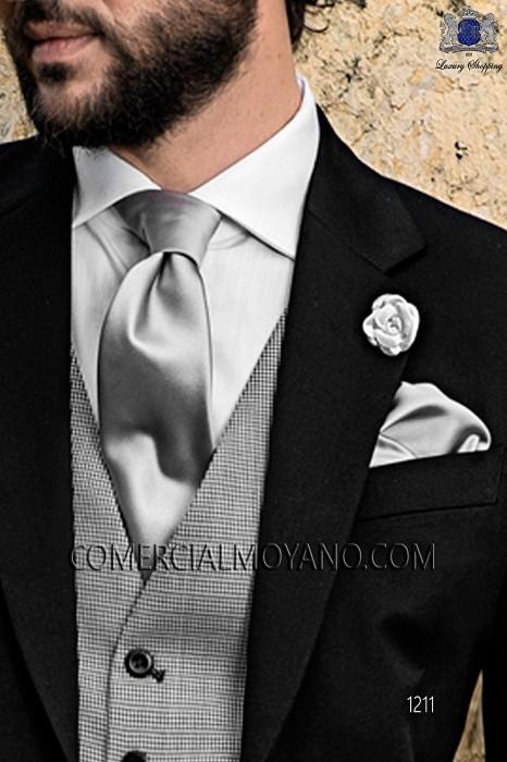 Silver satin tie and handkerchief 56502-5201-7100 Ottavio Nuccio Gala.