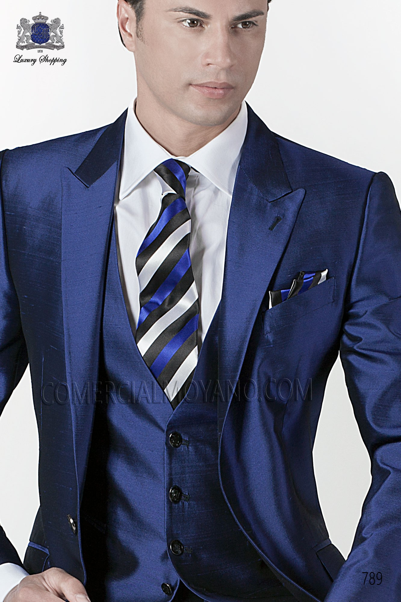 Blue-black striped tie with matching pocket handkerchief ONGala