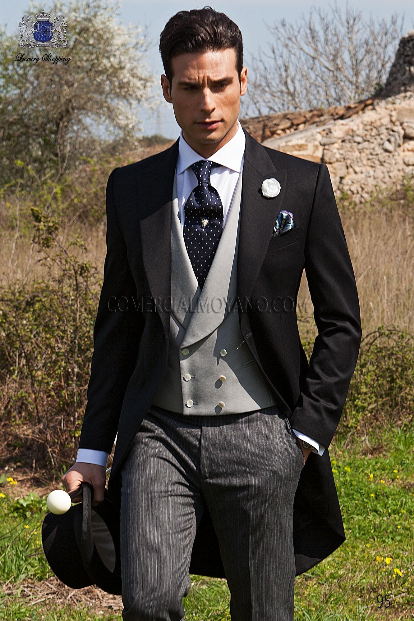 Traje de novio chaqué italiano a medida levita negra en pura lana satén, sin corte en la cintura, pantalón de raya diplomática, modelo 95 Ottavio Nuccio Gala colección Gentleman.