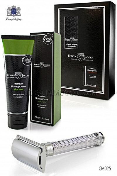 Pack English shaving with gift box. Classic metal shaving razor and shaving cream Aloe Vera 75 ml tube