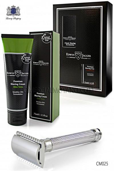 Pack de afeitado inglés con estuche regalo. Maquinilla clásica de afeitar metálica y Crema de afeitar Aloe Vera en tubo 75 ml