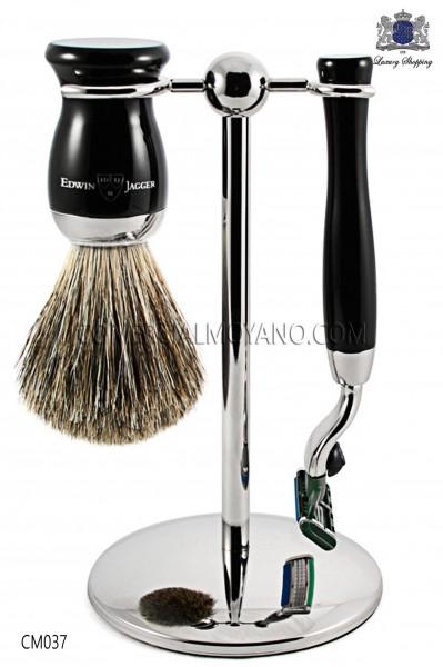 Juego de afeitado inglés color negro ébano, con soporte metálico, maquinilla y brocha. Edwin Jagger.