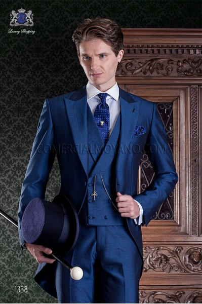 "Chaqué of Italian tailoring with elegant cut ""Slim"", an opening. Blue alpaca wool fabric."