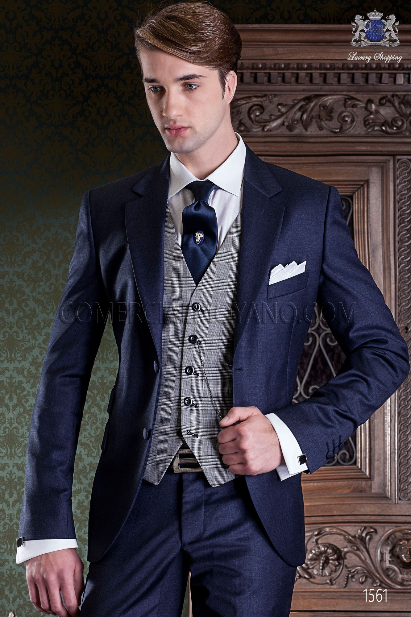 d1b0c7c63b Traje de novio azul marino elegante corte italiano Ottavio Nuccio Gala