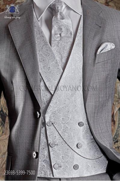 Chaleco cruzado de novio de sastrería italiana. Tejido brocado gris perla, 6 botones.