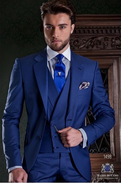 """Couture italienne costume coupé élégant """"Slim"""" de poche match fille et deux boutons. Refroidir tissu de laine bleu."""
