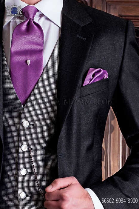 Tie pink background with white polka dots.