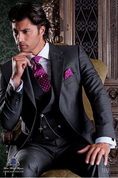 """Traje de sastrería italiano con elegante corte """"Slim"""", dos botones. Tejido micro-diseño gris."""