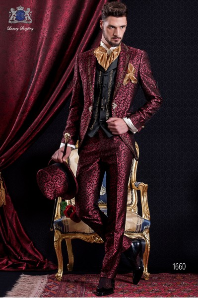 Groomswear Baroque. Suit coat in vintage red and black brocade fabric with gold colored embroidery yarns.