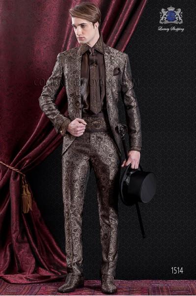 Traje de novio Barroco. Traje levita de época en tejido Jacquard marrón y dorado con solapas en punta.