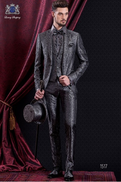 Groomswear Baroque. Suit coat of time Jacquard gray and black with pointed lapels.