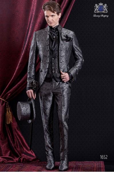 Traje de novio Barroco. Traje levita de época en tejido Jacquard en distintos tonos de grises.