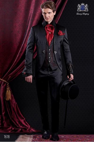 Traje de novio Barroco. Traje levita de época en tejido raso de color negro con cuello Napoleón.