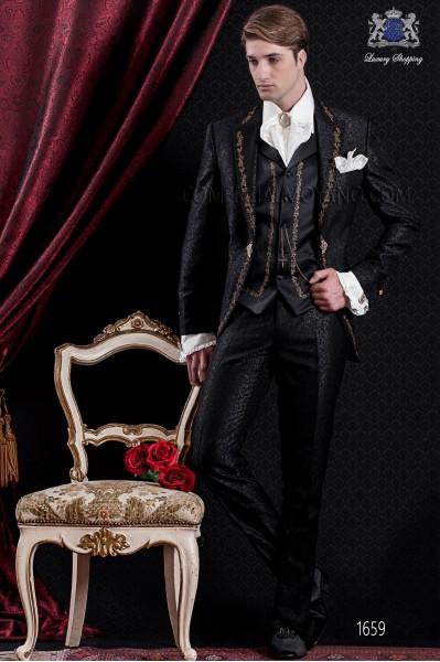 Traje de novio Barroco. Traje levita de época en tejido brocado negro con bordado dorado.