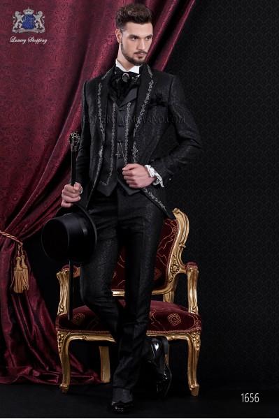 Traje de novio Barroco. Traje levita de época en tejido brocado negro con bordado plata.