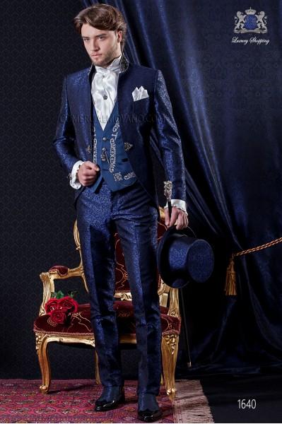 Traje de novio Barroco. Levita de época en tejido brocado azul y negro con cuello pedrería.