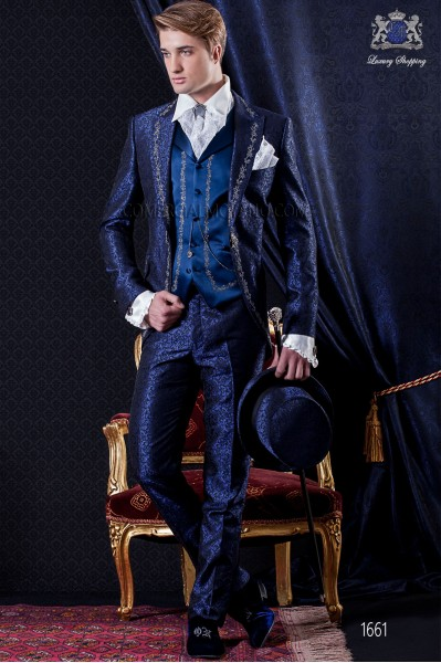 Traje de novio Barroco. Levita de época en tejido brocado azul y negro con bordados plata.
