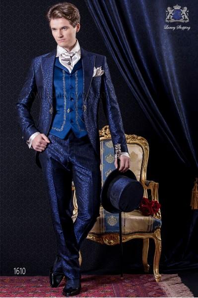 Traje de novio Barroco. Levita de época en tejido brocado azul y negro con pedrería en las solapas.