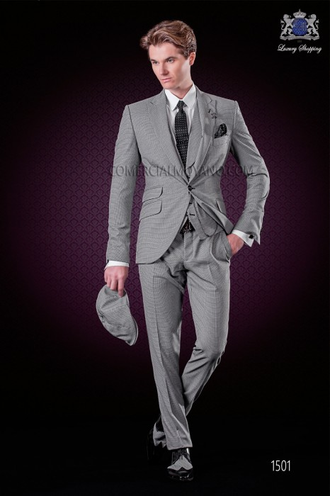 "Italian fashion suit with modern cut ""Slim"" peak lapels and one button. Rooster leg fabric design."