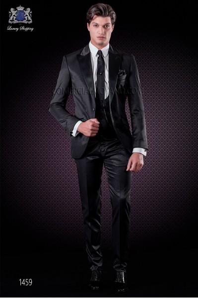 """Traje italiano con moderno estilo """"Slim"""" de solapas punta en contraste y 1 botón. Tejido new performance color negro"""