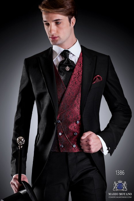 Italian short-tailed wedding suit Slim in black. Peak lapel with single patterned button closure and contrast fabric piping
