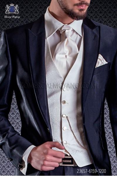 Chaleco de novio marfil microdiseño en pura seda jacquard.