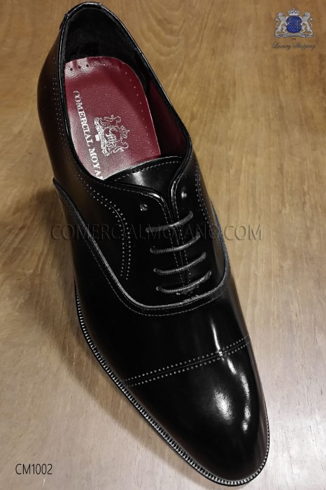 Black leather lace-up men shoes