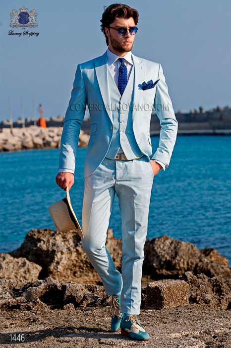 """Suit modern Italian style """"Slim"""". Model edge flaps and 1 button. White fabric 100% cotton."""