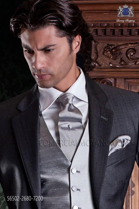 Gray jacquard silk tie & handkerchief