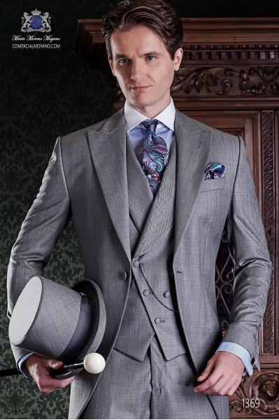 "Chaqué gris de sastrería italiana de elegante corte ""Slim"". Tejido fil a fil gris perla."
