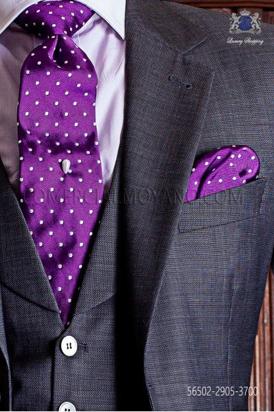 Tie & handkerchief purple with white polka dots