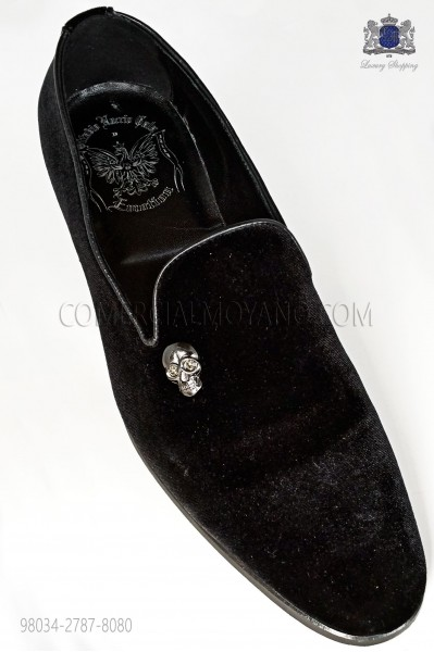 Black velvet slipper shoe with applied nickel skull