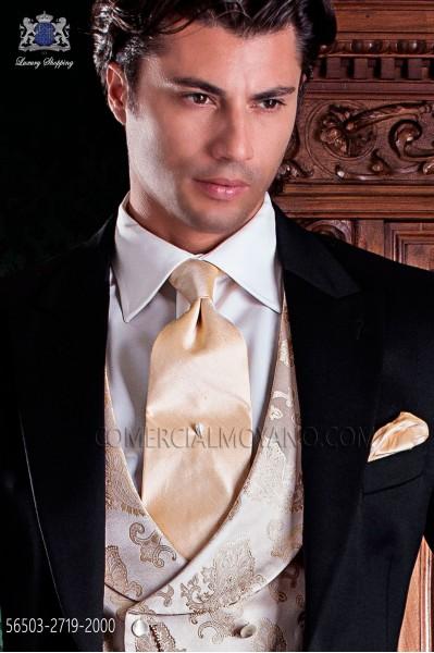 Ivory silk shantung tie and handkerchief