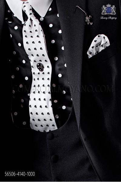 White & Black skull tie and handkerchief