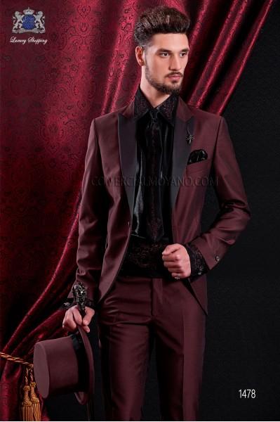 Italian maroon fashion groom suit slim fit. Peak lapels and 1 button. Fabric wool mix.