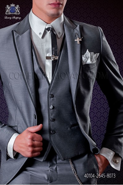 Pearl gray lurex shirt with silver skulls metal fixtures