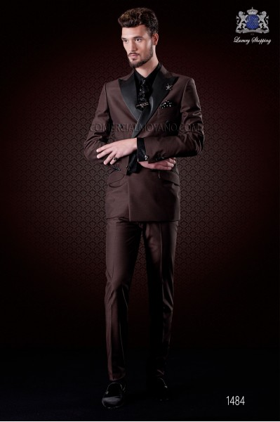 Italian brown fashion double breasted suit Slim fit. Satin peak lapels and 6 buttons. Wool mix fabric.