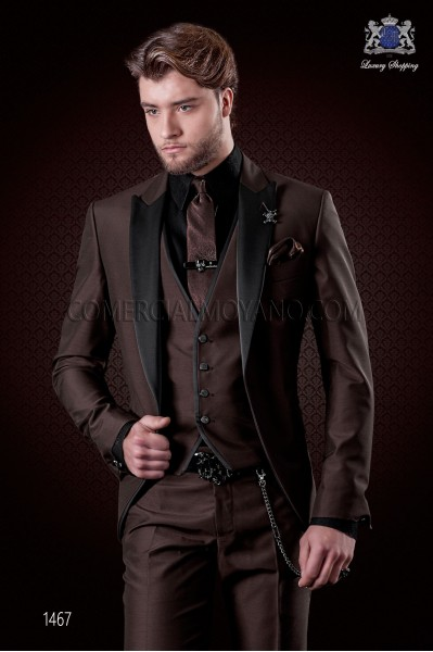 Italian brown groom suit 3 pcs slim fit. Satin peak lapels and 1 button. Wool mix fabric.