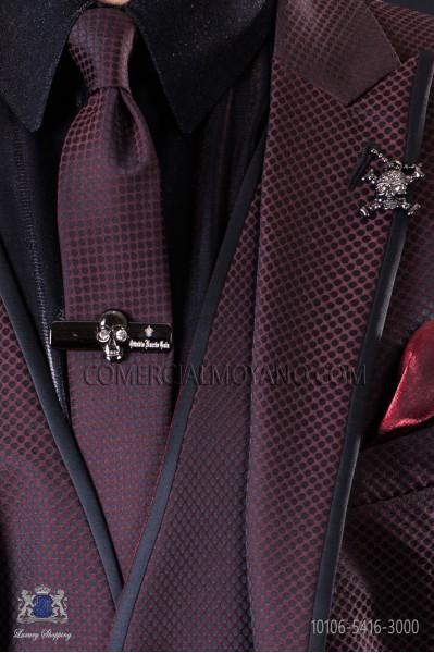 Narrow burgundy fashion tie with black microdots