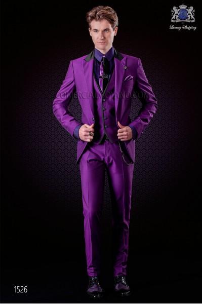 Traje de novio italiano púrpura 3 piezas. Modelo solapa punta con 1 botón. Tejido mixto lana.